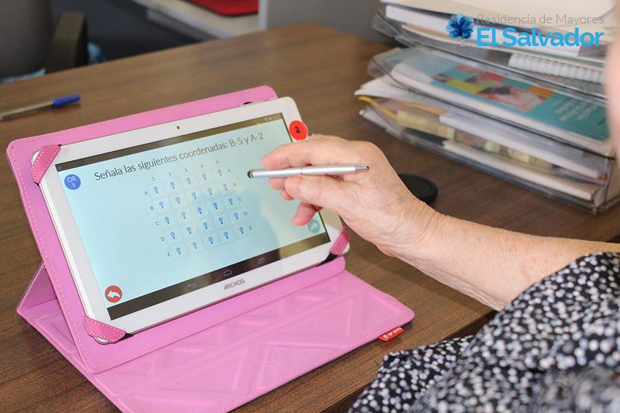 Estimulación cognitiva con tableta